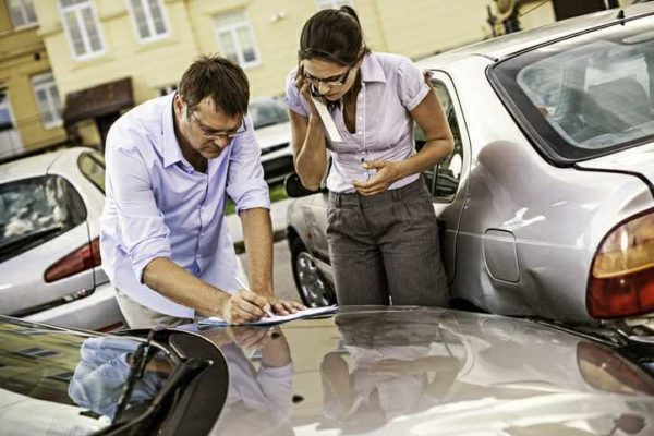 Car Accident Lawyers Discuss Dealing With Insurance Companies